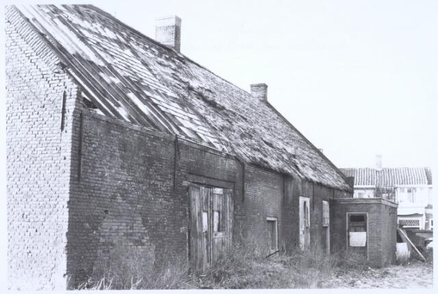 020506 - Zijgevel van een boerderij aan de Hasseltstraat, na een grondige restauratie in 1974 in gebruik genomen als wijkcentrum Kasteelhoeve