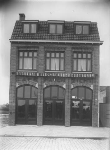 065729 - Horeca. Café Havenzicht aan de Piushaven.