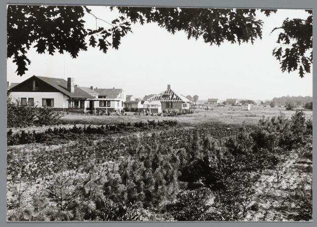 102681 - Burgemeester Materlaan, voormalig Del Court van Crimpenlaan.