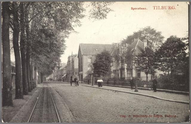 010183 - Spoorlaan richting Heuvel ter hoogte van het huidige Noordbrabants Natuurmuseum.