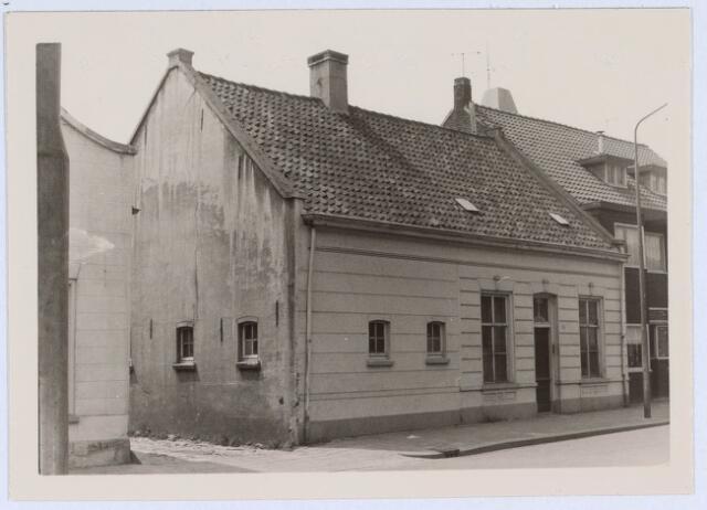 020601 - Pand Hasseltstraat 301 halverwege 1966