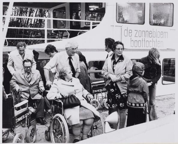 100767 - Gezondheidszorg. De Zonnebloem Boottochten.