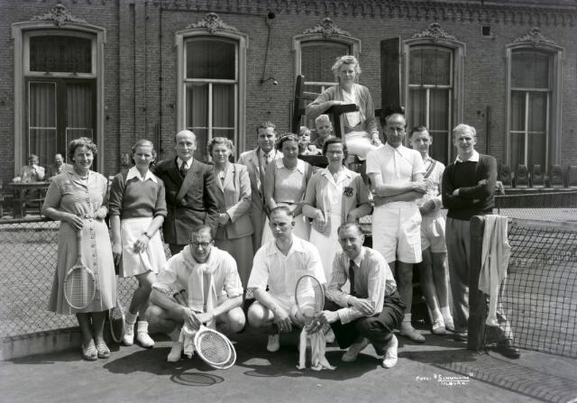 650504 - Schmidlin. Tilburgse Lawn Tennis Club Philharmonie, 1949.
