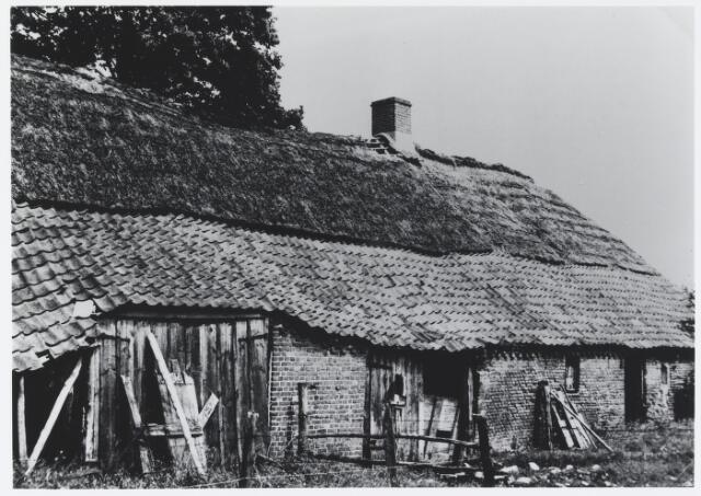 055871 - Boerderij aan de Pastoor Jürgensstraat 7 in Esbeek