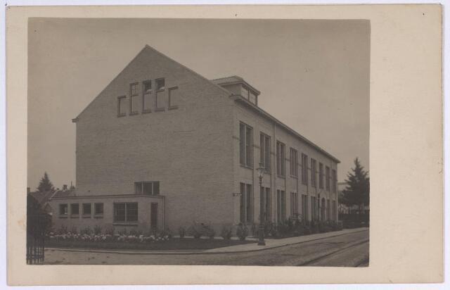 025156 - Gebouw behorende bij de gemeentelijke gasfabriek aan de Lange Nieuwstraat in 1926