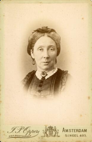 092940 - Hendrika Reijners, geboren te Druten op 9 maart 1825 en overleden te Arnhem op 28 februari 1899. Zij trouwde de Tilburgse wolverver Bernardus J.A. van Spaendonck
