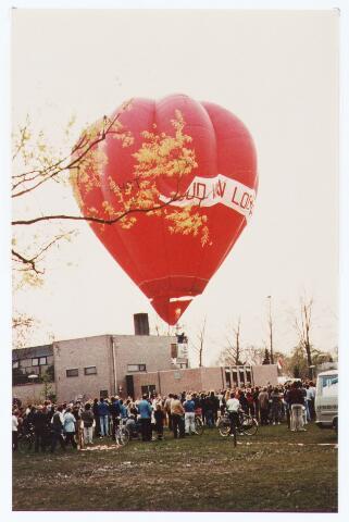 063537 - In 1983 werd ten gunste van de Stichting Jeugdbelangen bij het gemeenschapshuis de Schalm, Eikenbosch 1, een gedeelte gereserveerd als accomodatie en feestelijk geopend.
