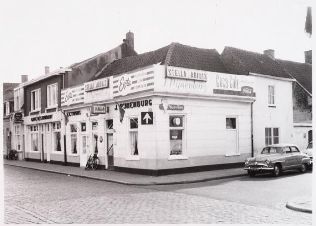 028597 - De winkel panden op de hoek Piusplein/ Koningsstraat zijn afgebroken in verband met de verbreding van de Paleisring