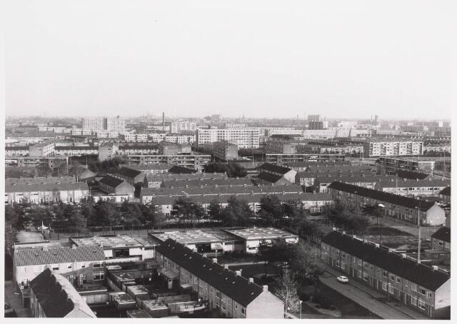 036558 - Panorama van Tilburg vanaf de flat van het Paletplein