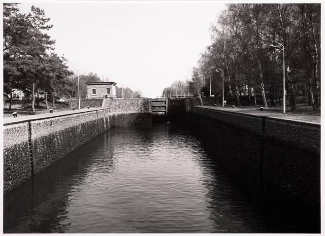 034768 - Sluis II in het Wilhelminakanaal