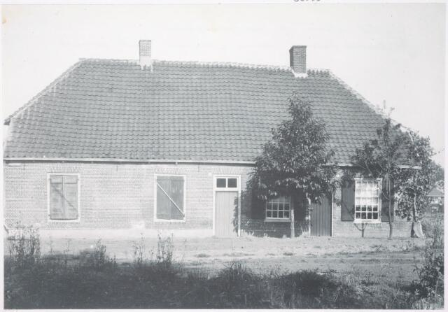 033528 - Voormalige boerderij aan de Schaapstraat. Thans ongeveer Vierwindenlaan en Tubantenstraat.