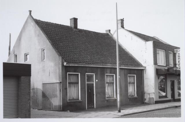 025676 - Pand Leharstraat 109 begin april 1982