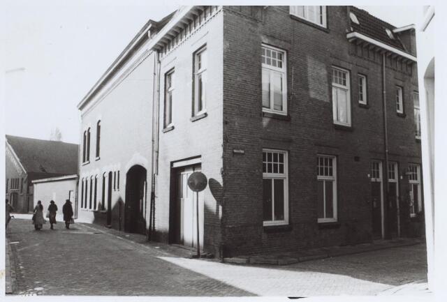 025578 - Bedrijfspand aan de Langestraat, hoek Mariastraat (rechts)