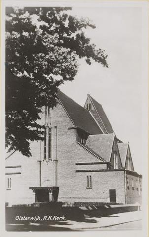 074486 - De Lind. R.K. Kerk St. Joannes, gebouwd in 1928 zonder toren, uitgebreid en afgebouwd met toren 1953.