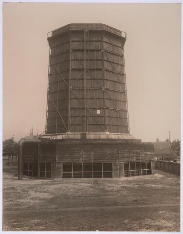 025153 - Houten koeltoren van de gasfabriek aan de Lange Nieuwstraat in 1919