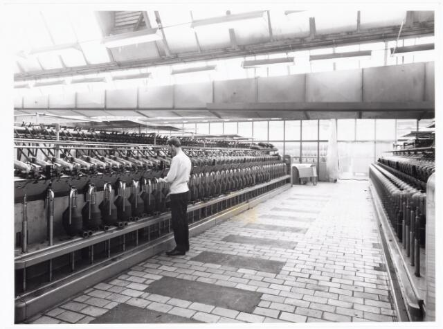 038075 - Textielindustrie. Interieur van de N.V. Spinnerij Swagemakers - Bogaerts, afdeling kamgarenspinnerij