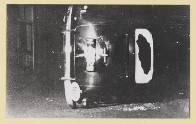 077292 - Arnold Meijer, leider Zwart front1934 -1941.  Omvergeworpen auto van Meyer na bijeenkomst in Budel.