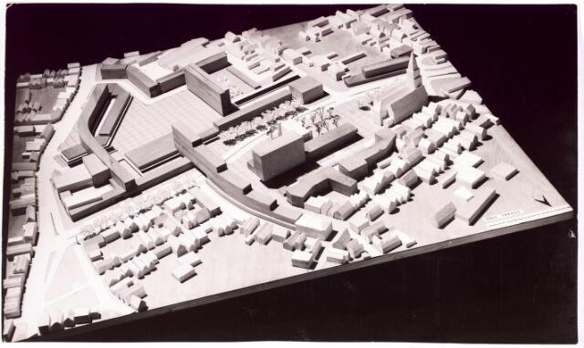 035549 - Maquette. Schouwburg aan het Stadhuisplein