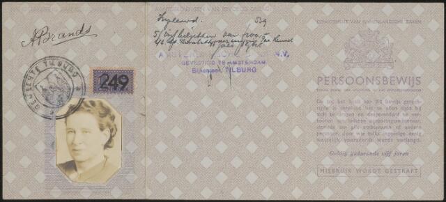 603921 - Persoonsbewijs van Antonetta Josepha L.M. Brands, geb. 14-12-1888 te Tilburg, zonder beroep, gehuwd met I.J.H.C. Wouters