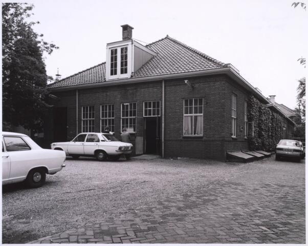 022966 - Elisabethziekenhuis. Ingang technische Dienst van het St. Elisabethziekenhuis, in de 80-er jaren tijdelijk in gebruik als polikliniek.