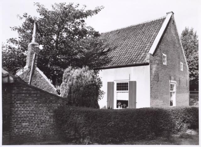 018810 - Zijgevel van een boerderij aan de Generaal Winkelmanstraat