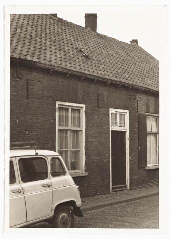 028110 - Woning aan de Veldstraat 37, thans Pastoor van Beurdenstraat