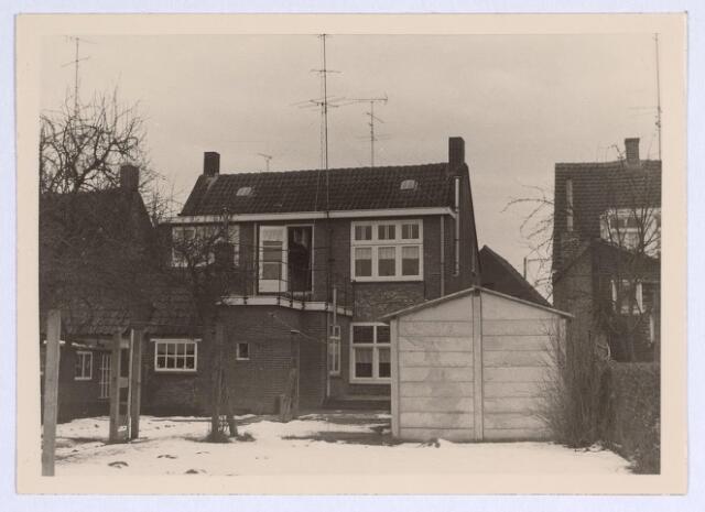 025651 - Achterzijde van het pand Heikant 50 (thans Leharstraat) in maart 1969