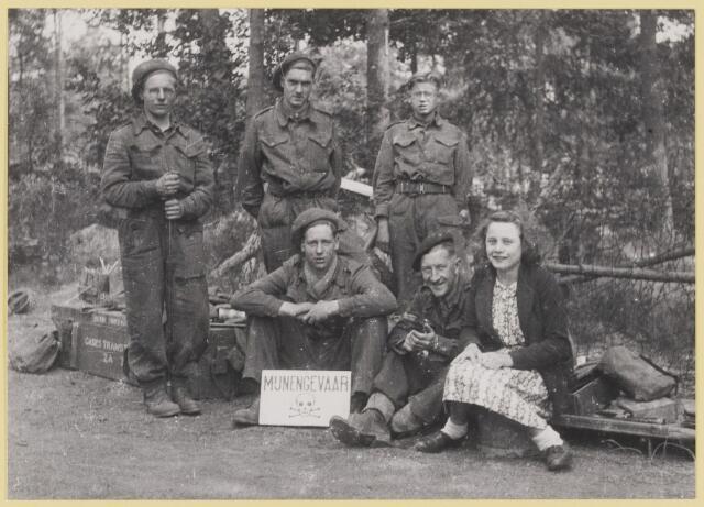077514 - Tweede wereldoorlog 1940-1945. Geallieerde militairen in Oisterwijk.