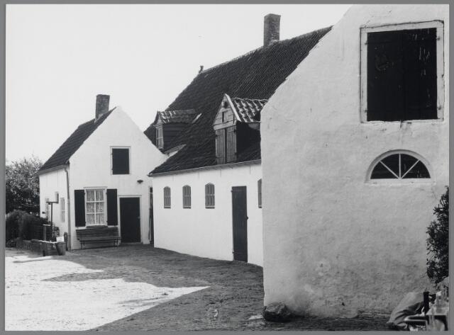 88735 - Voormalige boerderij Schansstraat 17, Terheijden behoorde eertijds tot het Slotje dat in 1889 is afgebrand.