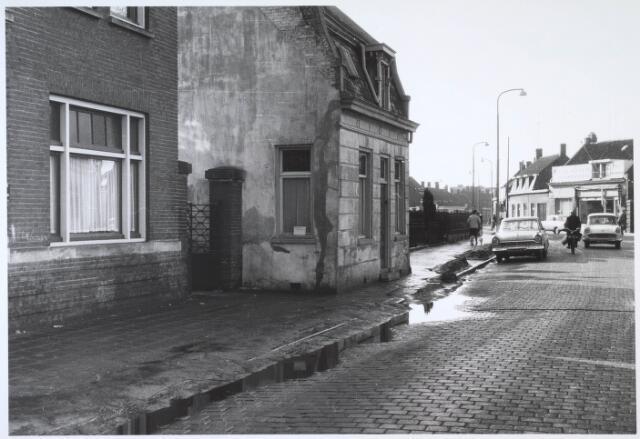 024538 - Zuidzijde van het Korvelplein, gezien in de richting van de Korvelseweg (rechts) en Berkdijksestraat (links)