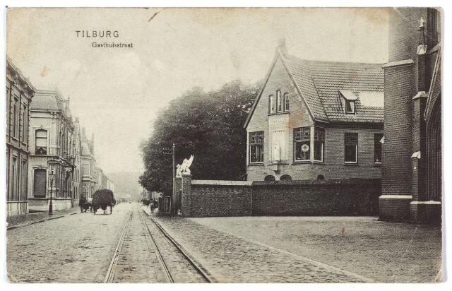 000461 - Gasthuisstraat rechts het atelier voor kerkelijke kunst van J.A. Verbunt.