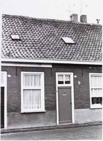 034423 - Lijnsheike 123; thans heet dit deel van de straat Von Weberstraat. De meeste huizen aan het Lijnsheike zijn inmiddels gesloopt.
