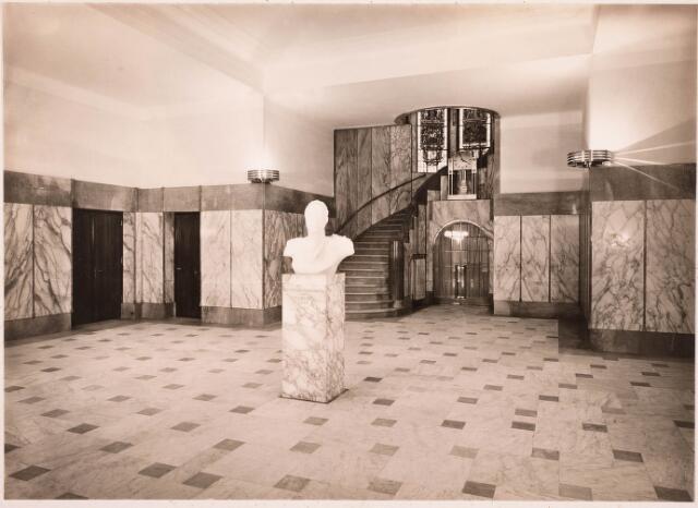 032132 - Interieur van het Paleis-Raadhuis aan het Stadhuisplein