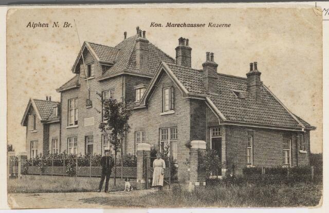 065196 - Militaire gebouwen. Oude marechaussee kazerne aan de Baarleseweg 56.