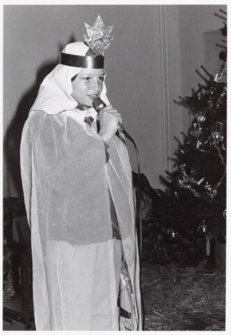 053149 - Driekoningen zingen in wijkgebouw Groeseind op 6 januari 1981