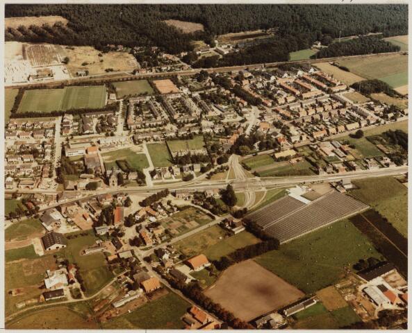 101020 - Luchtfoto van de straten van Dorst