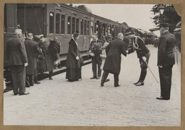 075510 - Koninklijk bezoek. Koningin Moeder Emma bezoekt Oisterwijk  op 19 mei 1930