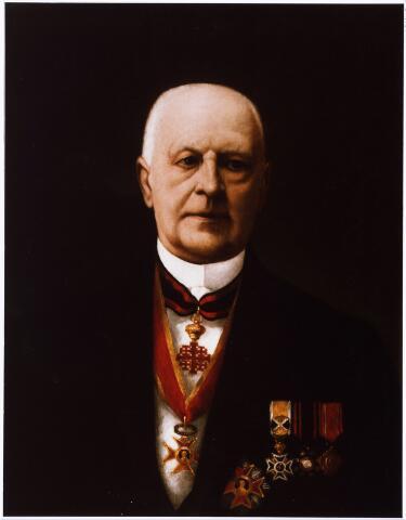 008190 - Portret. Schilderij (door P.N. van den Boer ?)  P.F. Bergmans (1846-1923) medeoprichter en eerste voorzitter van de Tilburgsche Hypotheekbank(1890), wethouder van Tilburg en regent van het r.k. Gasthuis.