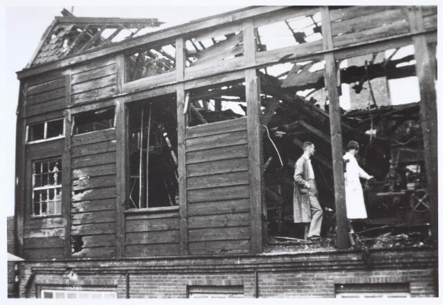 019502 - Brand in een gebouw van lederfabriek Willem Vos aan de Goirkestraat halverwege augustus 1934