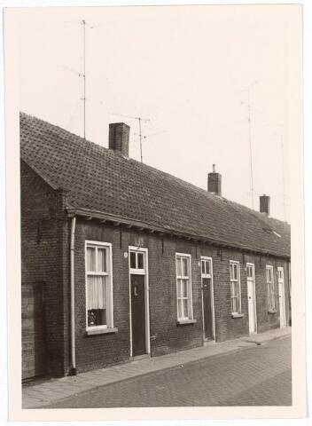 016990 - Panden Van Bylandtstraat 66 (links) en 68 (rechts) anno 1968