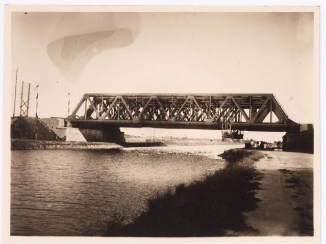 034740 - Spoorbrug over het Wilhelminakanaal