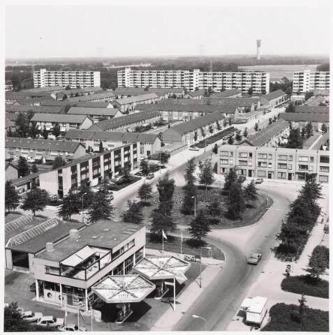 036282 - Panorama vanaf flat Componistenlaan met zicht op benzinestation ARAL