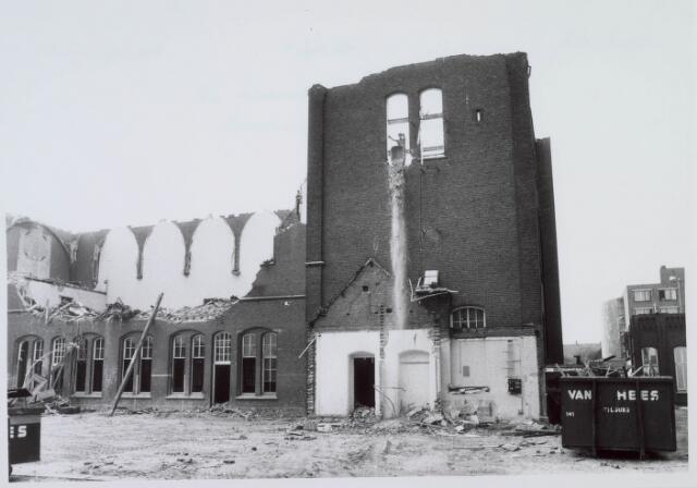 018416 - Stedenbouw. Stadsvernieuwing. Sloop van de voormalige kweekschool St.-Stanislaus in september 1985