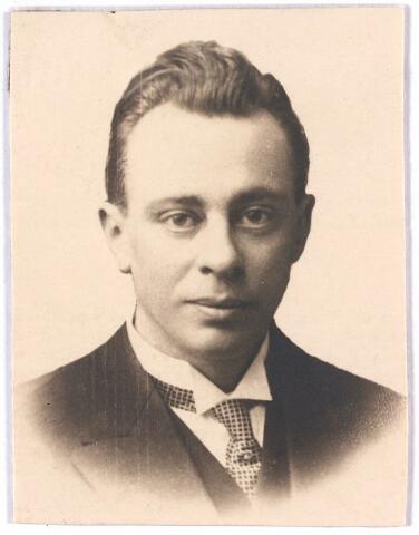 005633 - Bidprentje. Antoine Y.M. Schijns, overleden (1931) echtgenoot van Johanna M. de Groot.