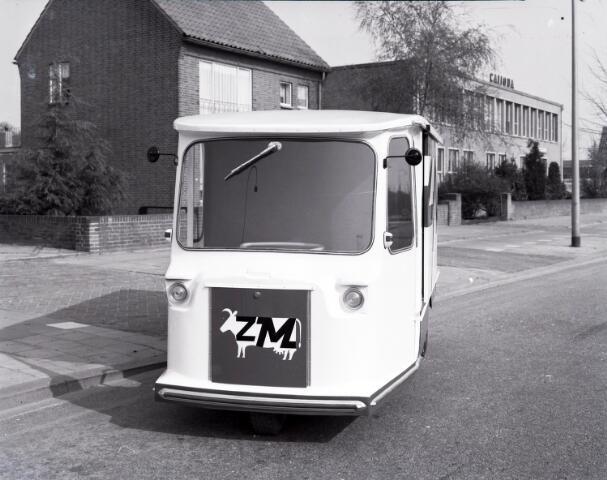 650459 - Schmidlin.  Ventwagen van de Coöperatieve Tilburgse Melkinrichting (CTM), welke was gevestigd aan het Wilhelminapark 70, 1961.