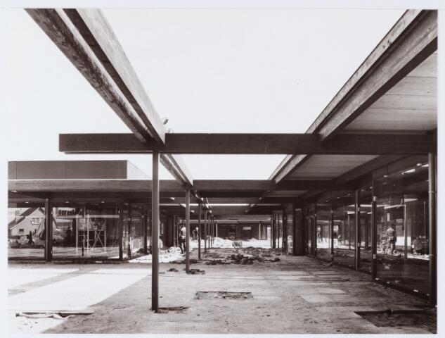 062656 - Winkelcentrum Eikenbosch in aanbouw