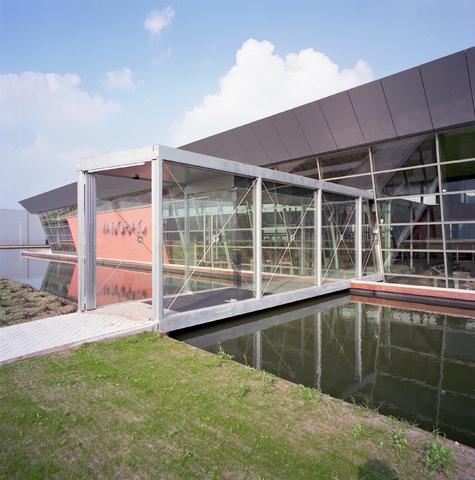 D-00627 - Vadobag bedrijfspand aan de Clara Zetkinweg (tegenwoordig het pand van TopTrucks.nl )(architecten - Luijten/Smeulders)