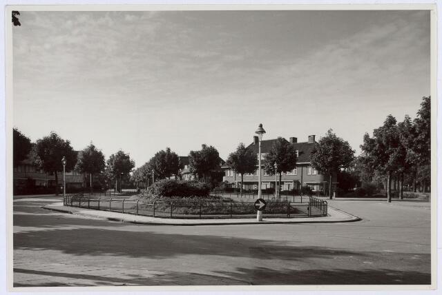 016802 - Burgemeester Suijsstraat anno 1952
