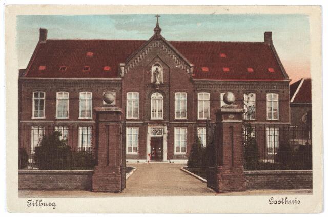 000516 - elisabethziekenhuis. Gezondheidszorg. St Elisabethgasthuis aan de Gasthuisstraat. In 1877 was zuster Febronia 25 jaar overste van het gasthuis. Volgens een bericht in de krant maakte zij drie epidemieën mee. Zij verpleegde 'een 400-tal door pokken aangetaste patiënten, 80 cholerazieken en een veel grotere menigte van typhuslijders'.