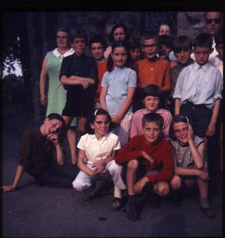 650183 - Gerardus Majellaschool, Hulten. Schoolreisje Nijmegen e.o., rond 1970.